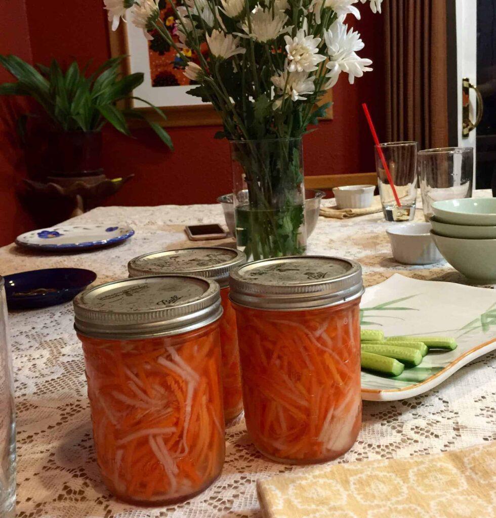 do chua pickled carrot and daikon