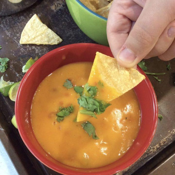 Easy Vegan Chile Con Queso Nacho Cheese
