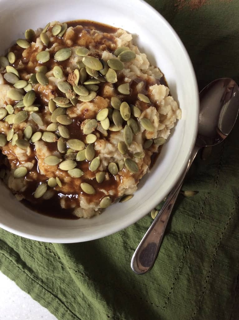 Refined Sugar Free Pumpkin Spice Syrup for Oatmeal by Very Veganish