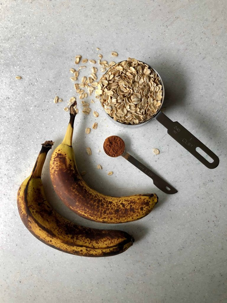 two ripe bananas, cinnamon and rolled oats