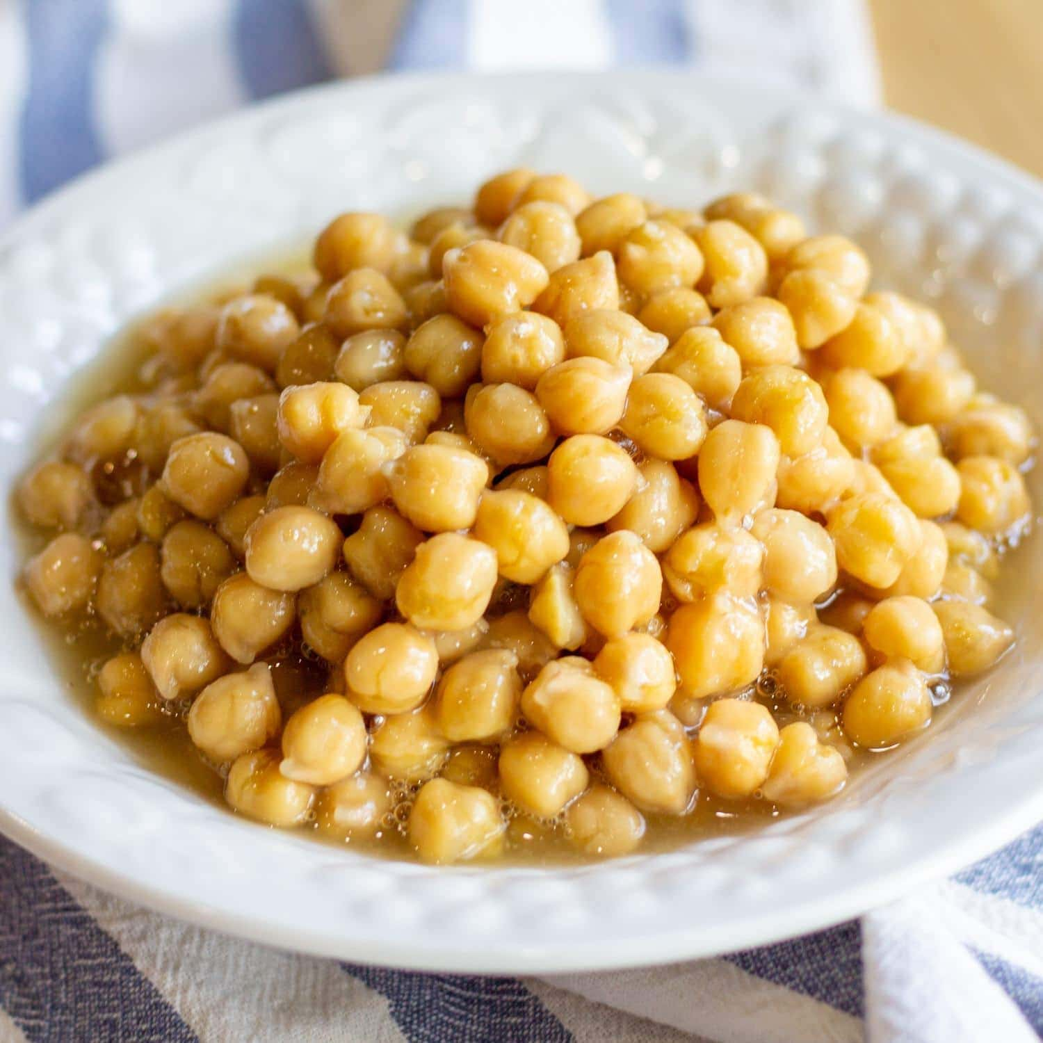 beans in white bowl